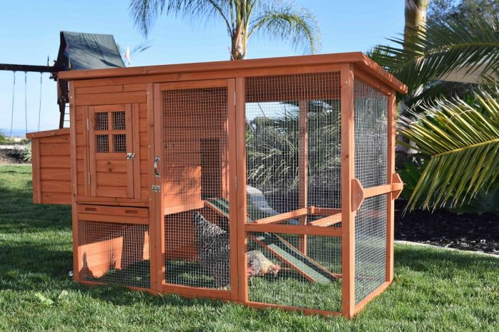 Rugged Ranch Santa Fe Mobile Wood Chicken Coop Woodcoopm